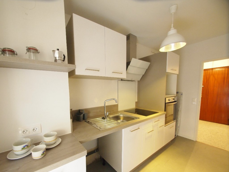 Rental apartment Nice 790€ CC - Picture 2