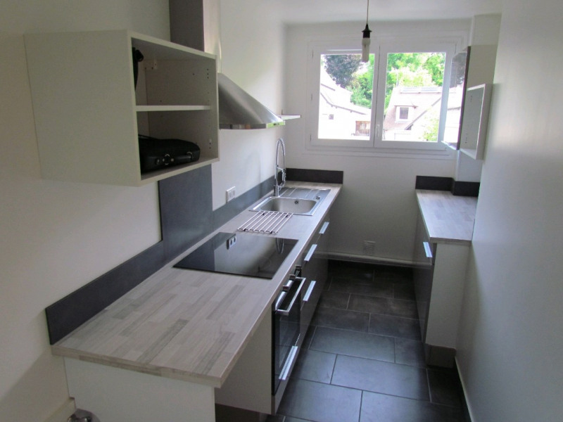 Rental apartment Champigny sur marne 990€ CC - Picture 2
