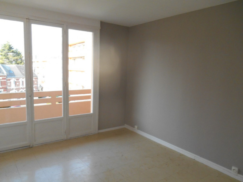 Rental apartment Saint quentin 555€ CC - Picture 9