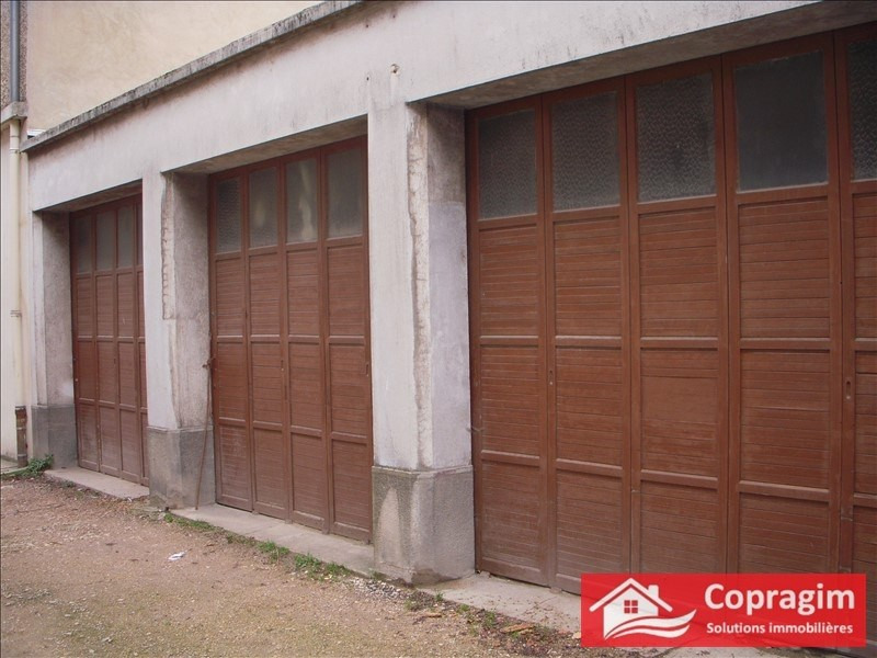 Location parking Montereau fault yonne 97€ CC - Photo 1