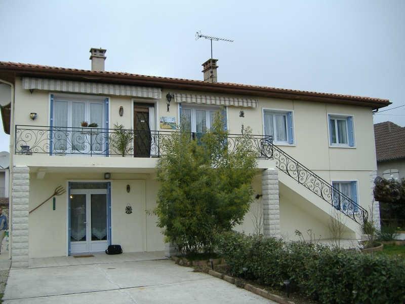 Sale house / villa Le passage 265000€ - Picture 2
