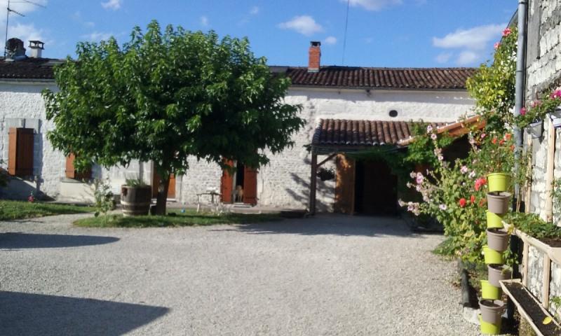 Sale house / villa Segonzac 262000€ - Picture 1