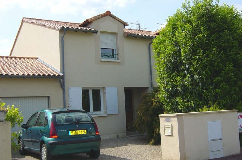 Rental house / villa St benoit 710€ CC - Picture 1