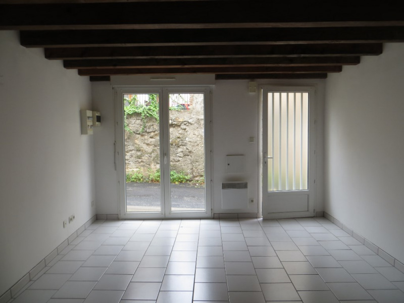 Location maison / villa Vertaizon 440€ CC - Photo 2