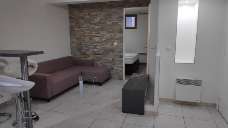 Affitto appartamento Saint laurent du var 600€ CC - Fotografia 5