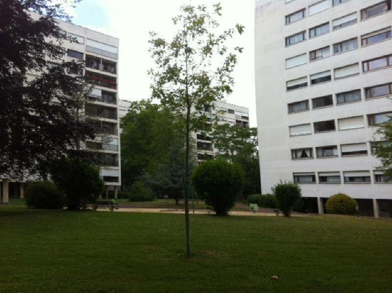 Location appartement Poissy 519€ CC - Photo 1