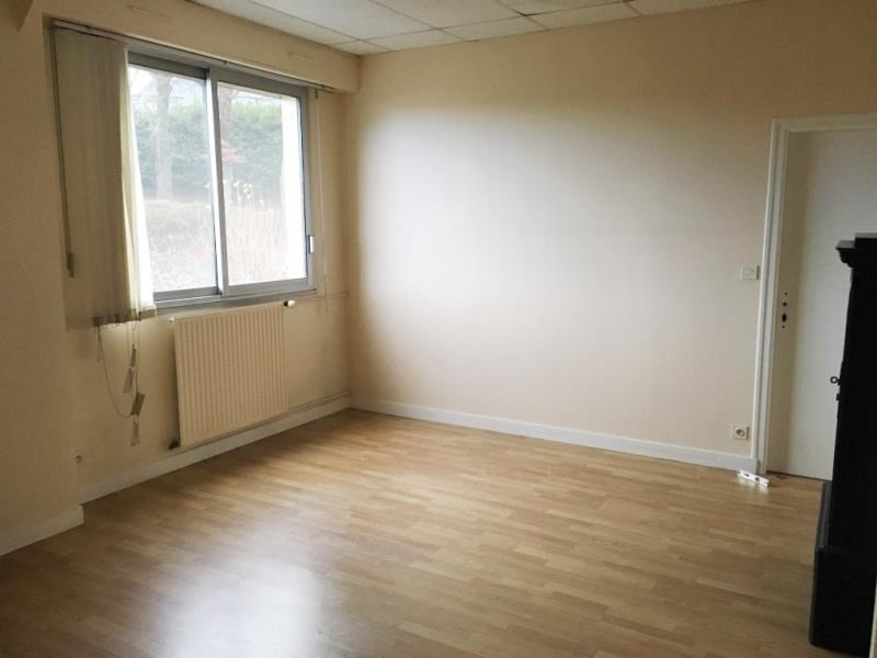 Sale empty room/storage Fougeres 471 600€ - Picture 4