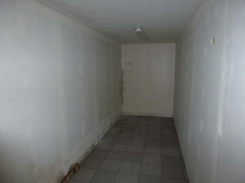 Location local commercial Chatellerault 1 470€ HT/HC - Photo 3