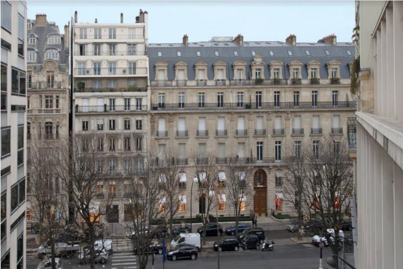 Rental apartment Paris 8ème 8300€ CC - Picture 1