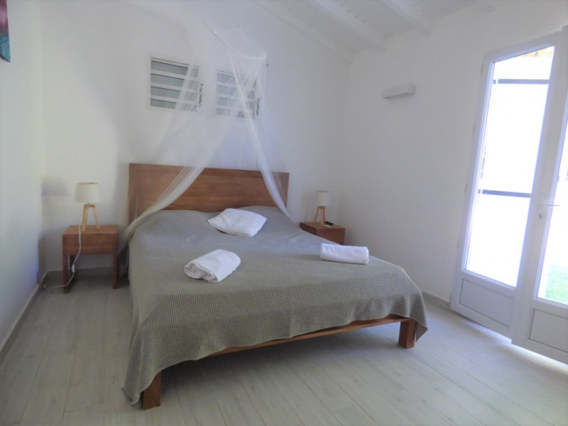 Location maison / villa Saint francois 2 500€ CC - Photo 3