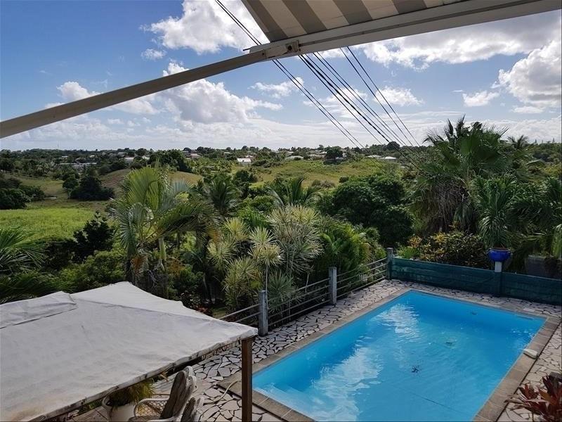 Deluxe sale house / villa Ste anne 583000€ - Picture 2