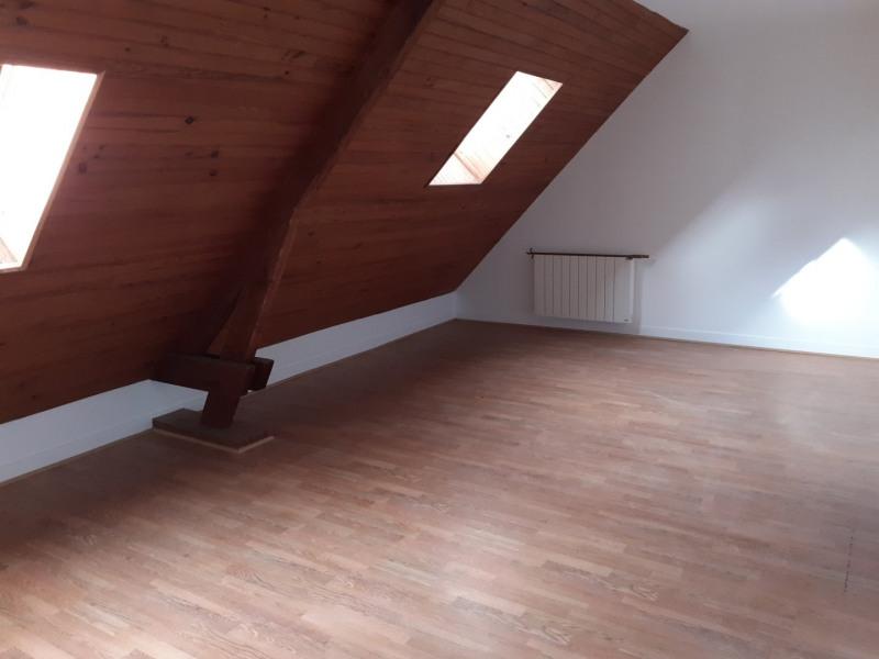 Studio dernier étage à louer à Sainte-Marguerite-D'Elle