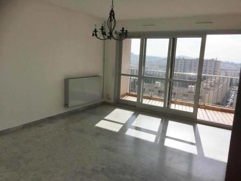Location appartement Salon de provence 650€ CC - Photo 1