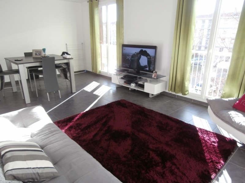 Verhuren  appartement Salon de provence 723€ CC - Foto 1