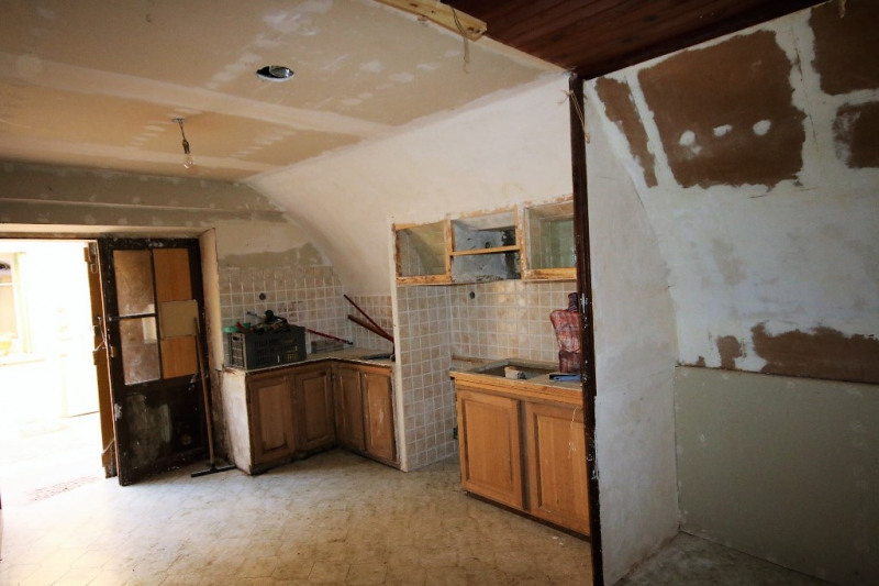 Vente maison / villa Meyrargues 130 000€ - Photo 3