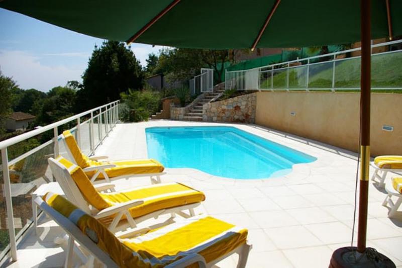 Deluxe sale house / villa Golfe-juan 1295000€ - Picture 1