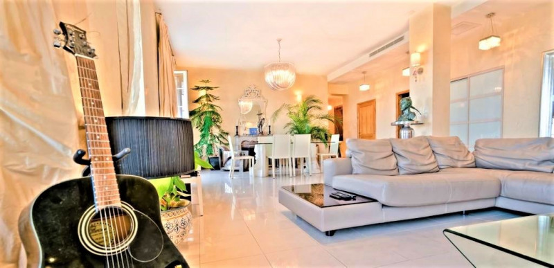 Deluxe sale apartment Cannes 1 685 000€ - Picture 4
