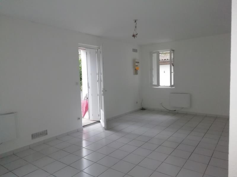 Rental apartment Vion 460€ CC - Picture 1