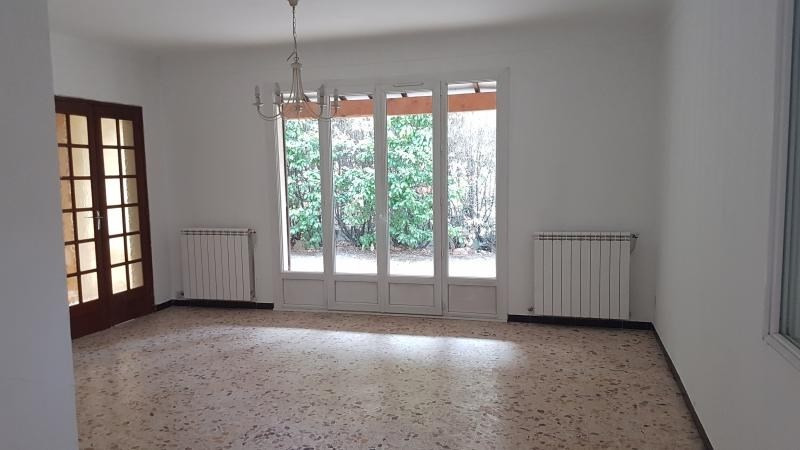 Location maison / villa Salon de provence 1 300€ CC - Photo 2