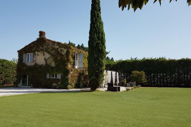 Deluxe sale house / villa Le thor 563000€ - Picture 1