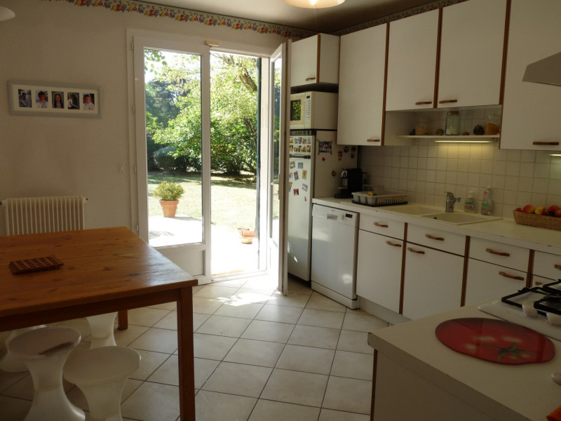 Vente maison / villa Noisy-le-roi 995 000€ - Photo 11
