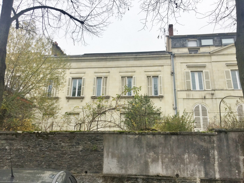 Sale office Angers 680 000€ - Picture 1