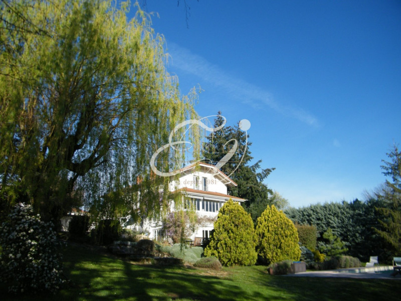 SALE DARDILLY 69570 - VERY BEAUTIFUL RENOVATED HOUSE - 220 M