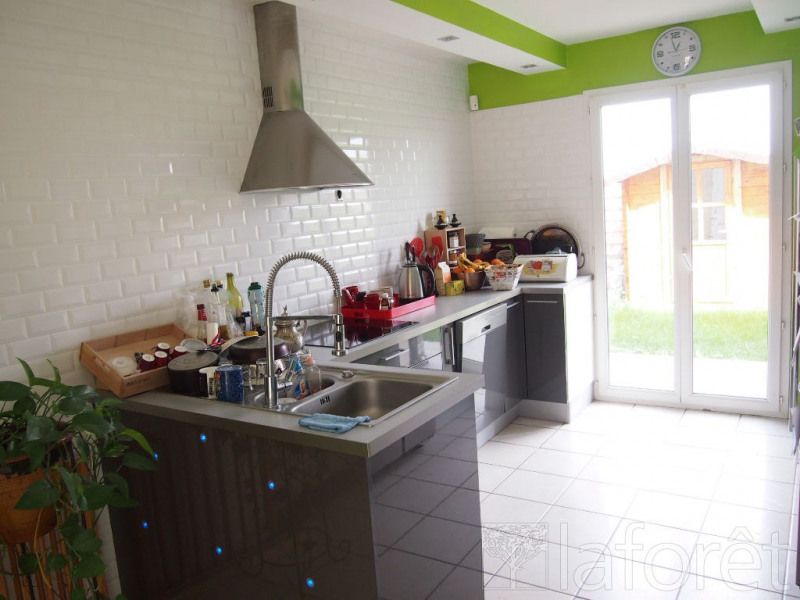 Vente maison / villa Bourgoin jallieu 295000€ - Photo 4