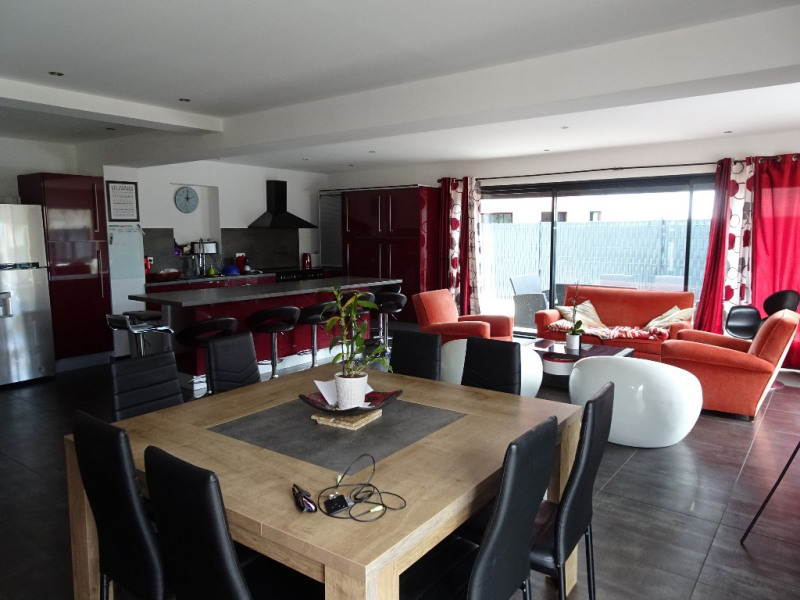 Sale house / villa Chatelaillon plage 402000€ - Picture 1