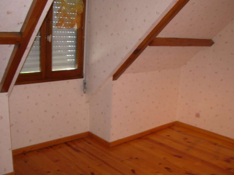 Location maison / villa Neuville saint amand 790€ CC - Photo 11