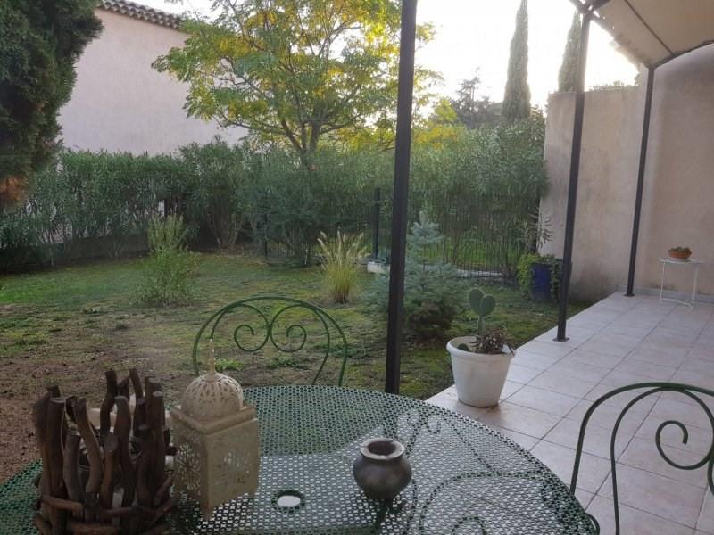Sale house / villa Villeneuve les avignon 318000€ - Picture 1