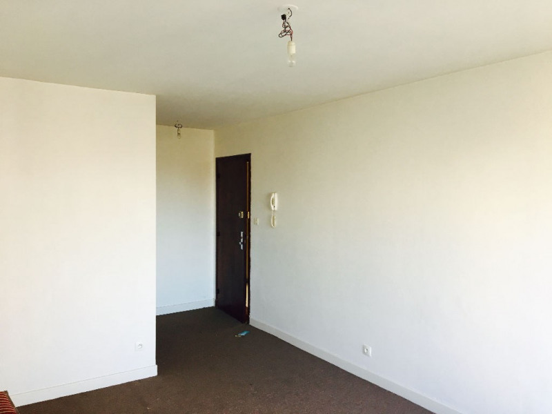 Sale apartment Beauvais 66 000€ - Picture 2