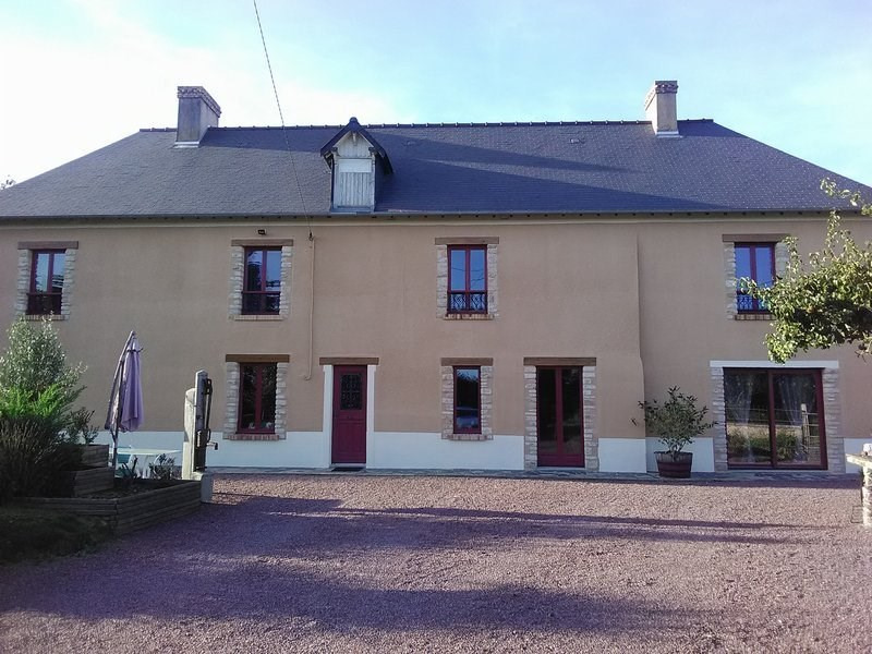 Sale house / villa Pont hebert 213 000€ - Picture 1