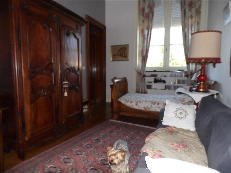 Sale apartment Oloron ste marie 273000€ - Picture 2