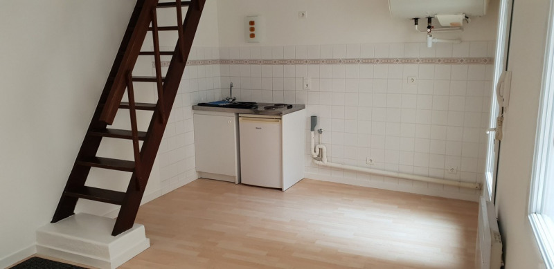 Rental apartment Cognac 402€ CC - Picture 1