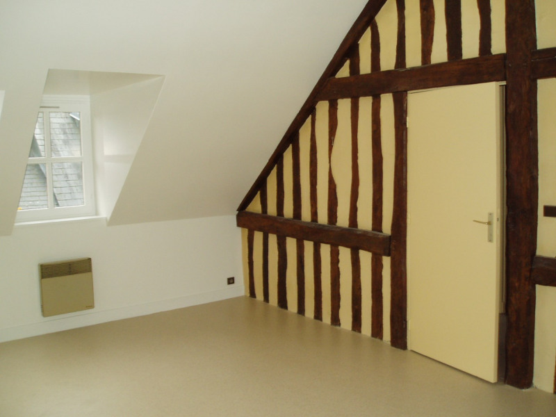 Rental apartment Honfleur 477€ CC - Picture 2