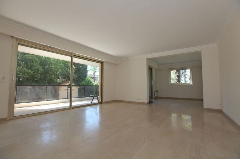 Deluxe sale apartment Cannes 742 000€ - Picture 4