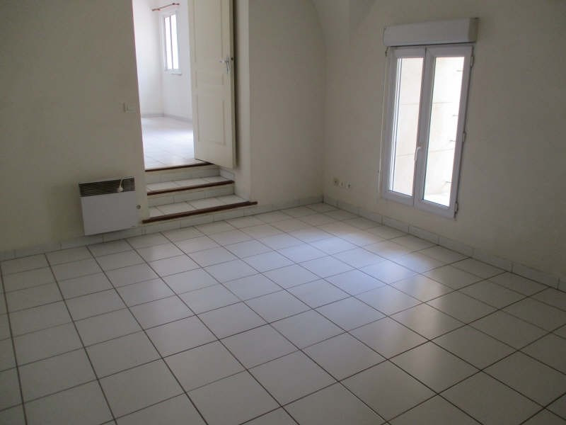 Location appartement Senas 830€ CC - Photo 7