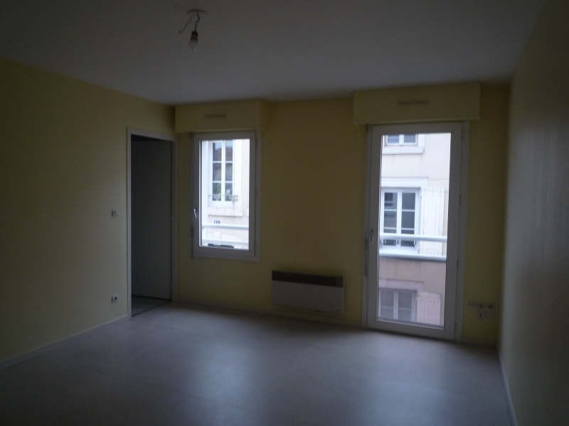 Location appartement St maixent l ecole 381€ CC - Photo 1