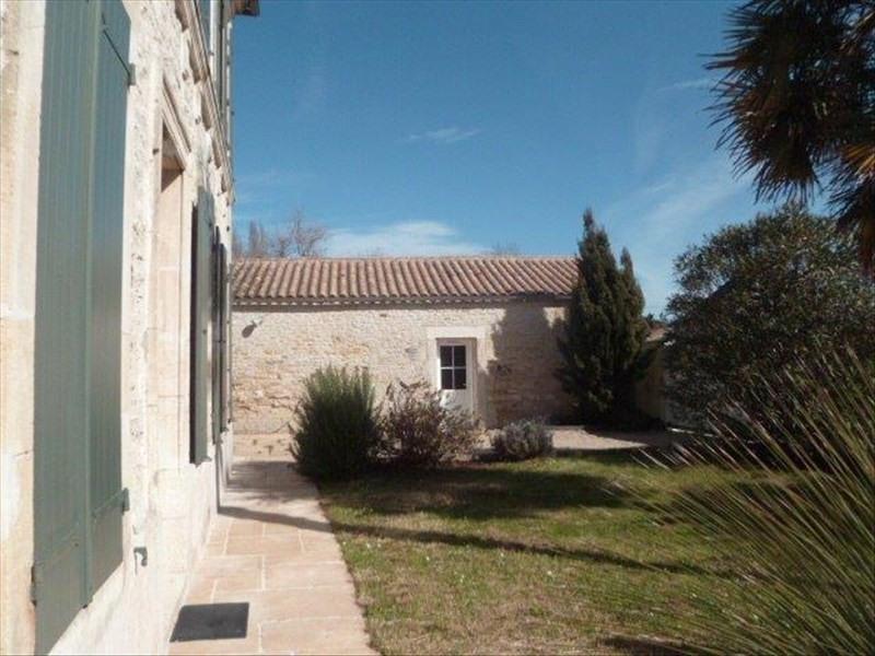 Vente de prestige maison / villa Le chateau d'oleron 573000€ - Photo 2