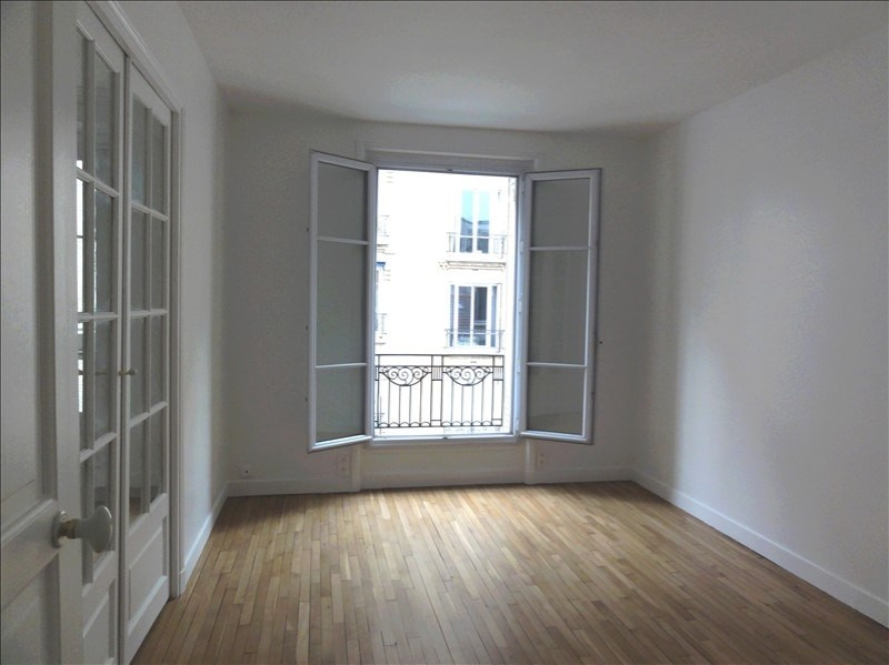 Rental apartment Courbevoie 1 280€ CC - Picture 3