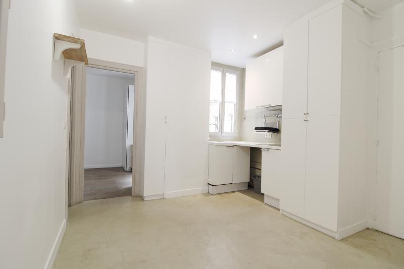 Rental apartment Paris 17ème 997€ CC - Picture 2