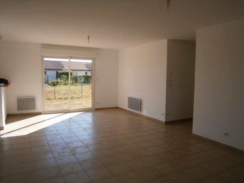 Location maison / villa St andre de cubzac 818€ CC - Photo 3