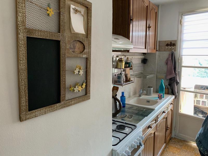 Rental apartment Aix en provence 890€ CC - Picture 2