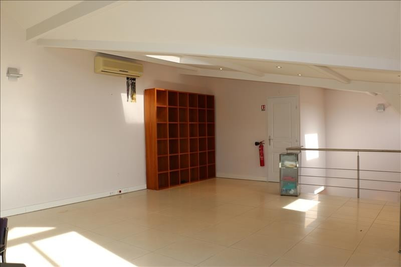 Rental office St nom la breteche 1 750€ HT/HC - Picture 9