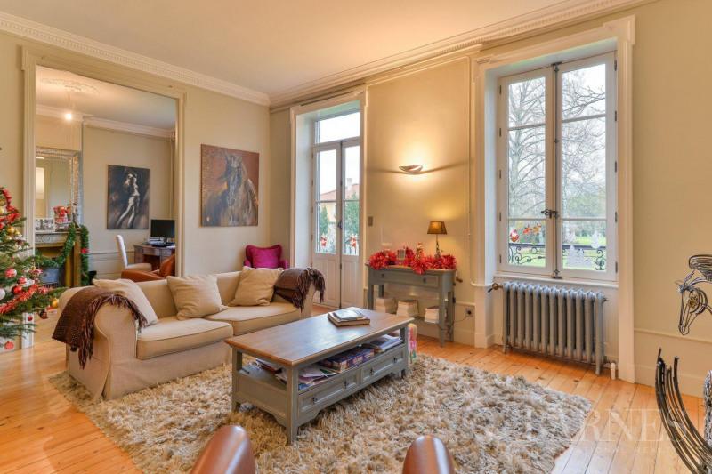 Deluxe sale house / villa Collonges-au-mont-d'or 1750000€ - Picture 2