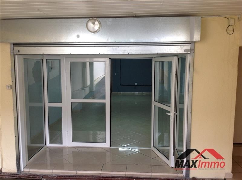 Location local commercial Le tampon 1 370€ HT/HC - Photo 1