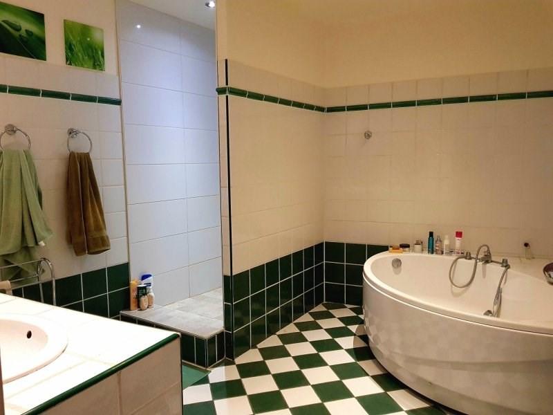 Sale house / villa Vallabregues 285000€ - Picture 9
