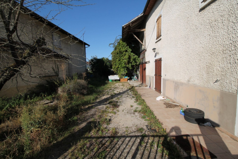 Vente maison / villa La tour du pin 139 000€ - Photo 3