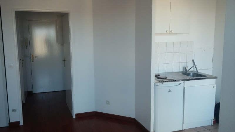 Rental apartment Poissy 643€ CC - Picture 2
